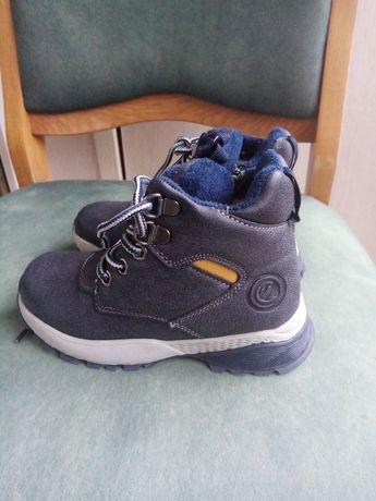 Продаються зимові дитячі черевики