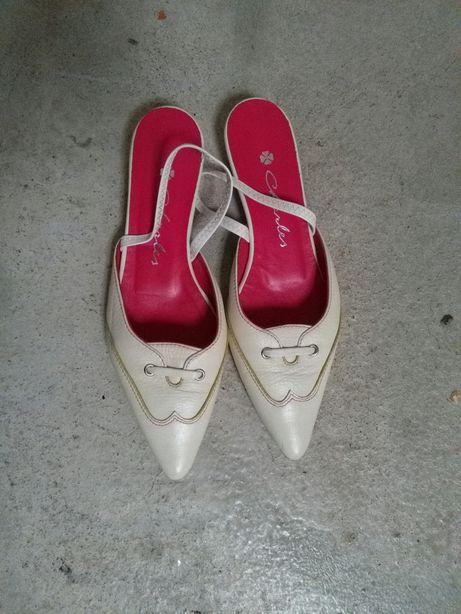 Malas Branca e vermelha,sabrinas,socas ,sandalias e mules em Pele