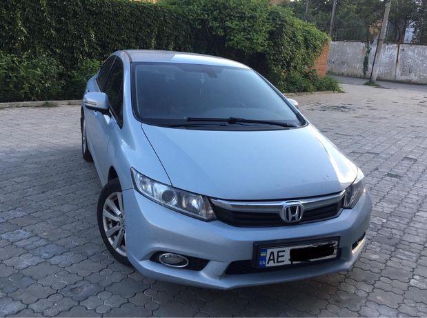 Honda Civic автомобиль
