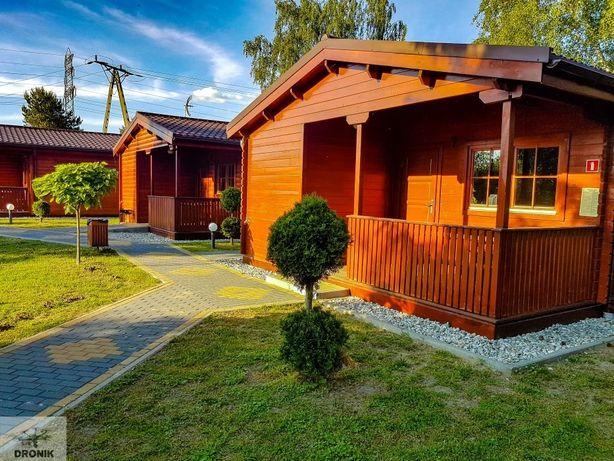 Drewniane domki całoroczne nad jeziorem, okolice Gliwic, nocleg, 2020