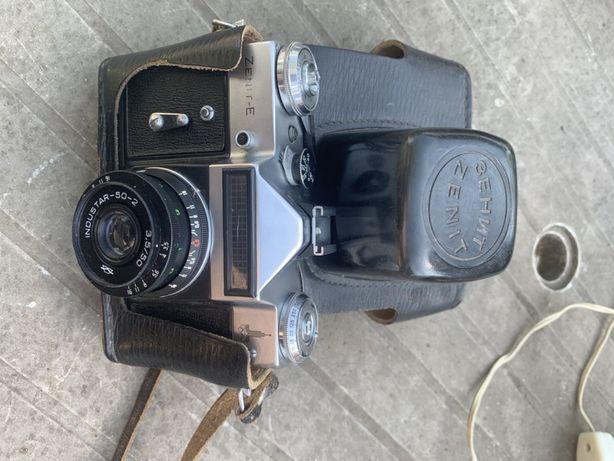 Продам фотоаппарат Zenit-E