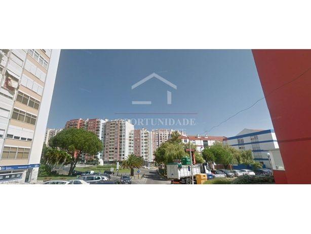 Apartamento T3 em Massamá, Sintra