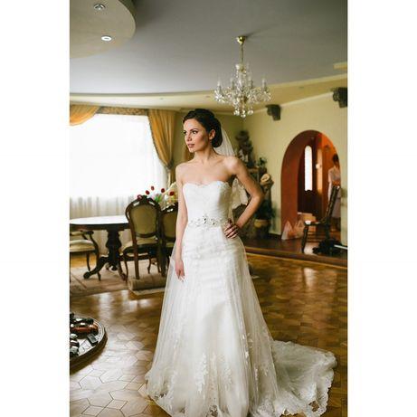 Весільна сукня Daria Karlozi Рибка
