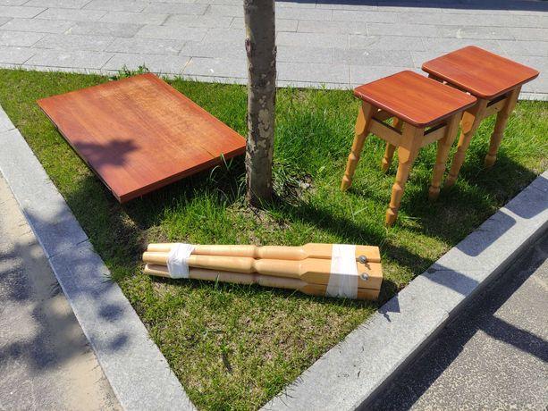Стол раскладной и 2 стула деревянных