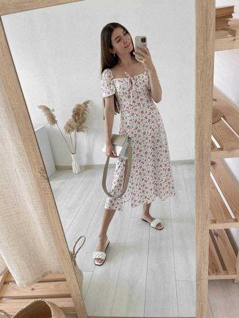 Платье с разрезом белое молочное фисташковое