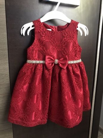 Sukienka koronkowa dziecięca czerwona