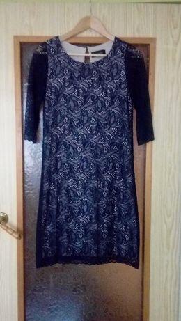 Elegancka koronkowa sukienka Reserved M