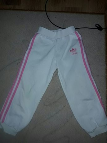 Spodnie dresowe firmy Adidas