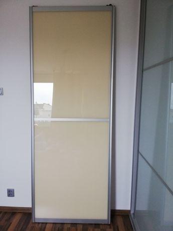 Drzwi do szafy przesuwnej