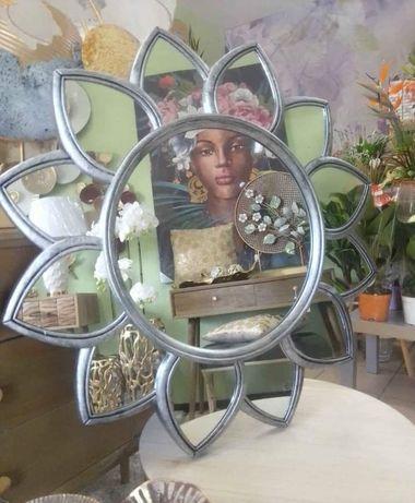 Espelho em Resina Tons Prateado 65cm  ( Novo)