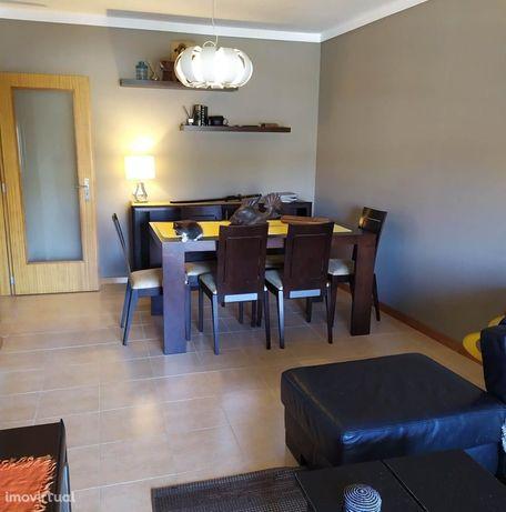 Excelente apartamento T2 para arrendamento S. Caetano