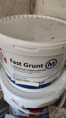 Grunt fast grunt pod tynk