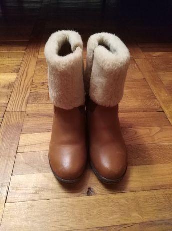 Шкіряні чобітки 35 розмір