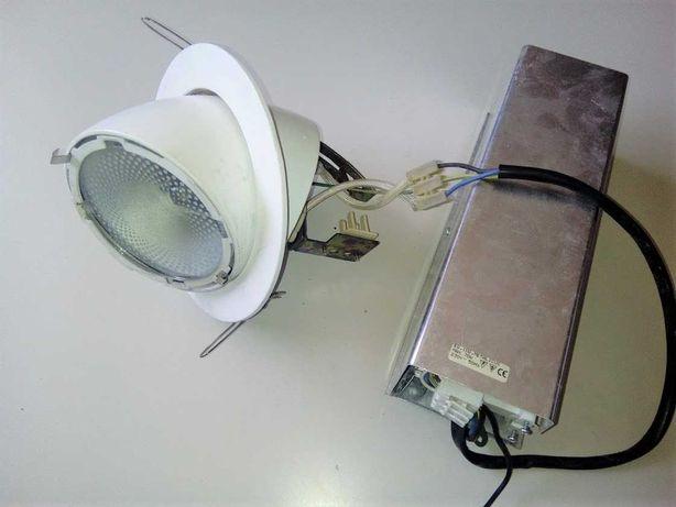 Projetores de iluminação com foco ajustável a 90º