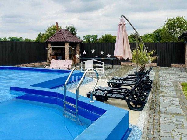 Аренда уютного дома с бассейном (300м),с.Требухов,15 соток,3 спальни
