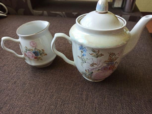 Заварочный чайник и  чайник для сливок