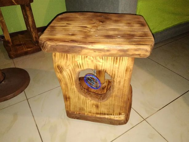 Drewniane szafki nocne