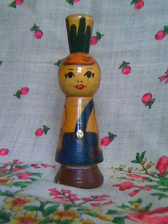 Кукла деревянная.