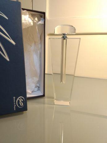 Frasco de perfume em cristal com aplicador