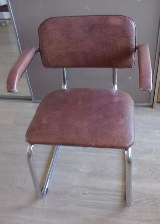krzesło na profilu aluminiowym