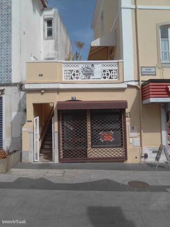 Loja em Sintra na Av. Heliodoro Salgado, principal rua de comércio