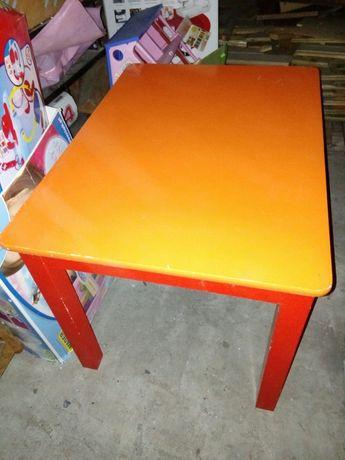 Stolik + dwa krzesłka
