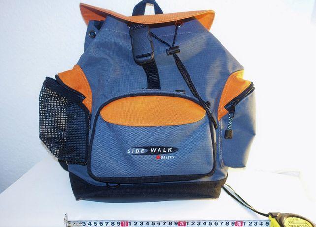 Модный молодёжный рюкзак Delsey 30x40см