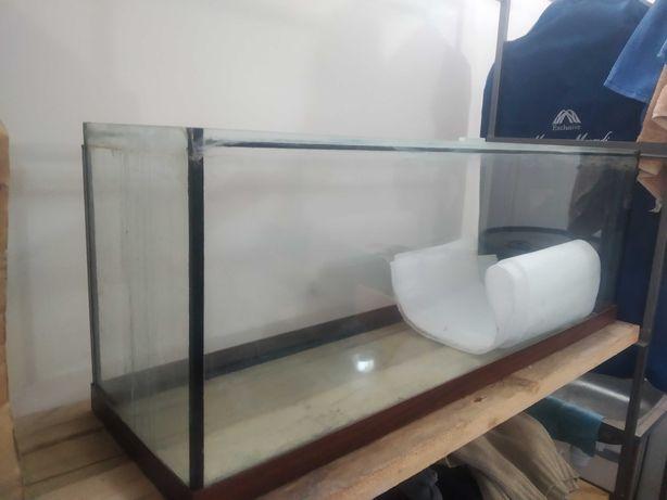 Продам акваріум на 150 л