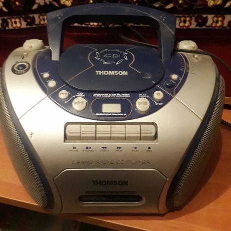 Магнітофон,радіо,CD програвач