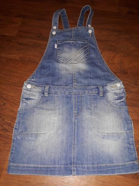 Sukienka -ogrodniczka jeansowa s.idealny (9 lat )