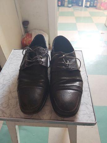 продам кожаные туфли фирмы Braska и Jiemаo