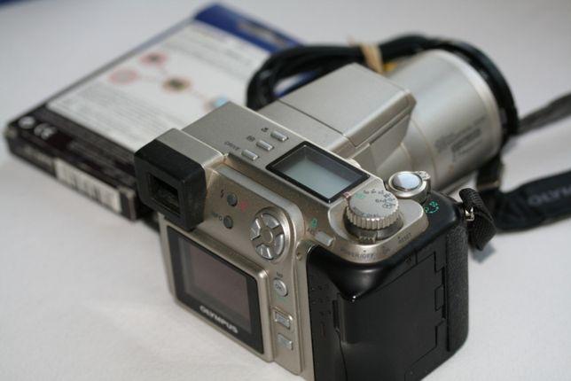 OLYMPUS C-2100 10X Ultra Zoom
