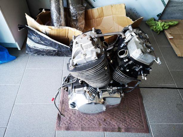 silnik Honda VT 750 DC Black Widow