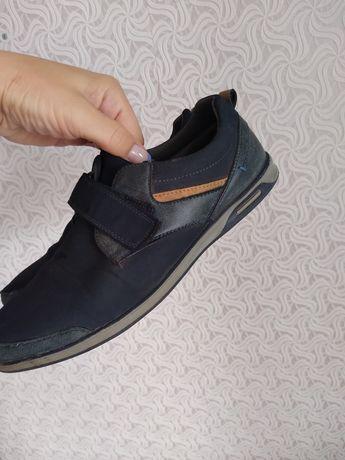 Продам туфли для школьника 35р