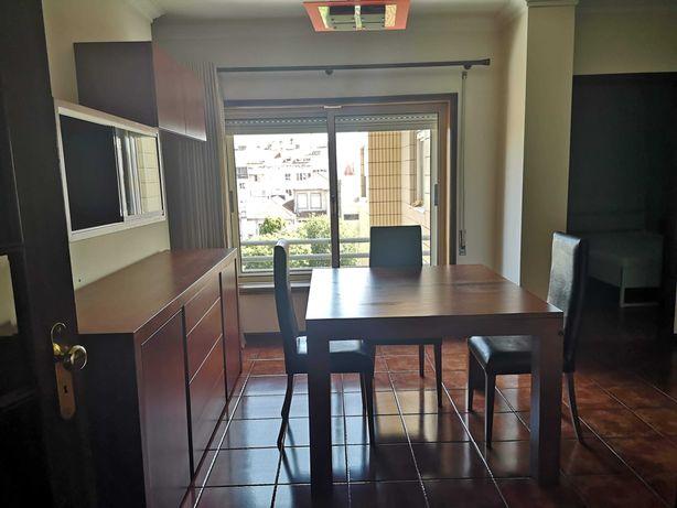 Apartamento T2 Kitchenette na Rua da Boavista