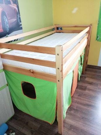 Łóżko piętrowe z zasłonką