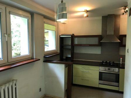3 pomieszczenia, kuchnia + stół, łazienka, parter, m. postojowe free