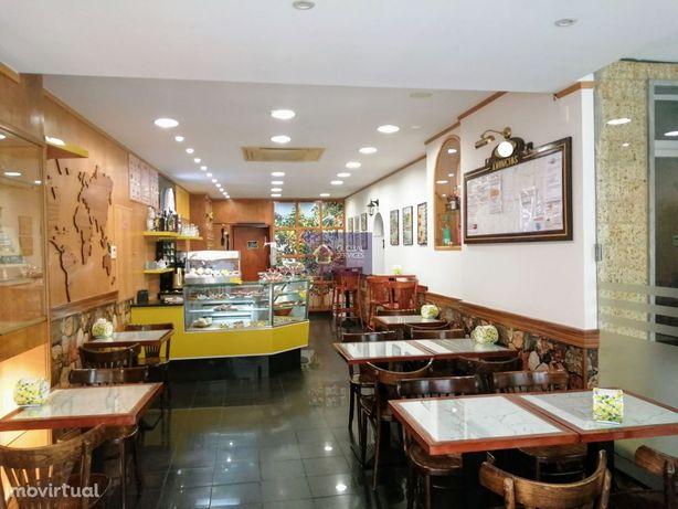 Restaurante/Bar situado em rua do comércio Portimão - TRESPASSE
