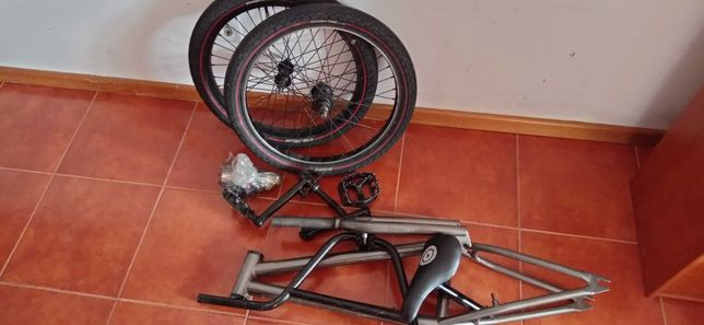 Bicicleta BMX Com peças de primeira