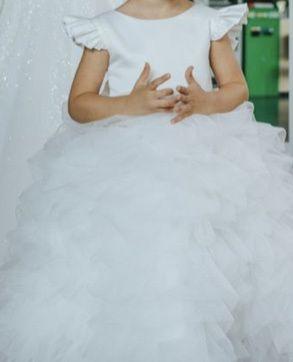Шикарное нарядное платье 98-104см