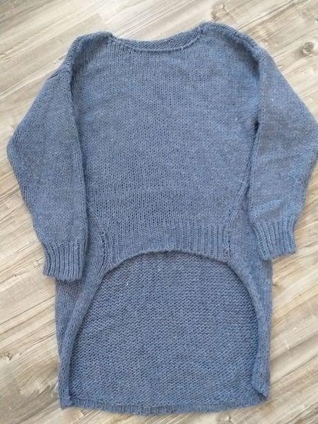 Gruby, mięsisty sweterek dłuższy tył S/M