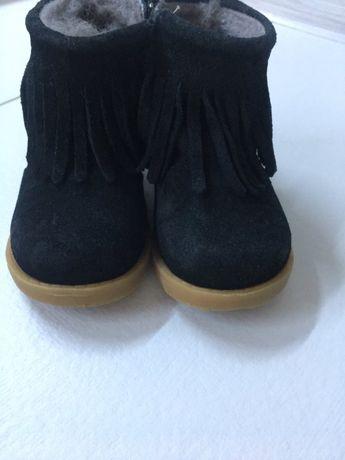 Взуття для дівчинки 22 р.