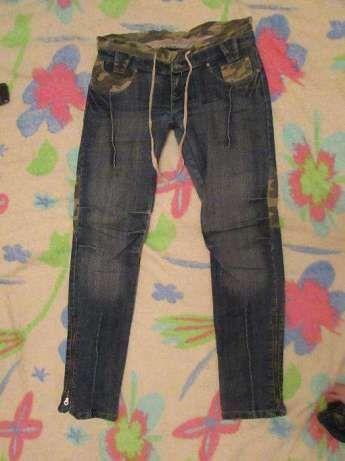 Модные джинсы (скинни,скини,деггинсы), с хаки вставками 46-48 размер
