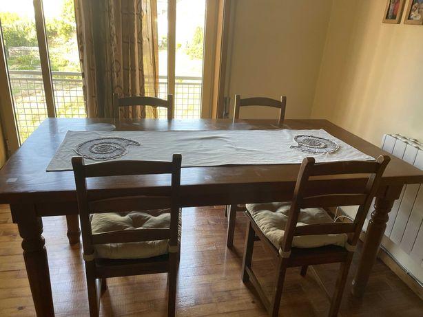 Mesa de jantar em madeira com 6 cadeiras - 300 euros
