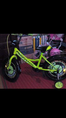 Велосипед детский в подарок отдам ещё самокат
