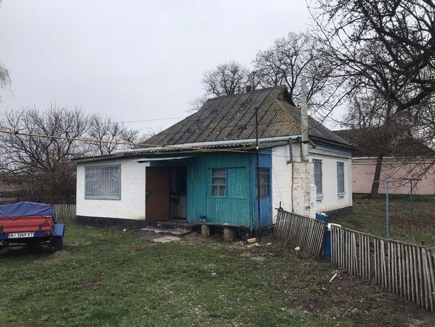 Дом 80 соток Яготин р-н с.Озерне