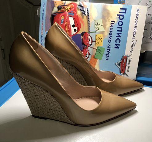 Продам новые туфли Италия 40р.