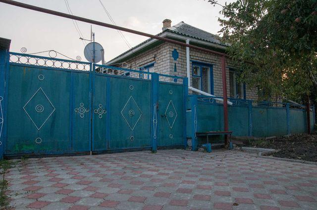 Продам дом в центре поселка