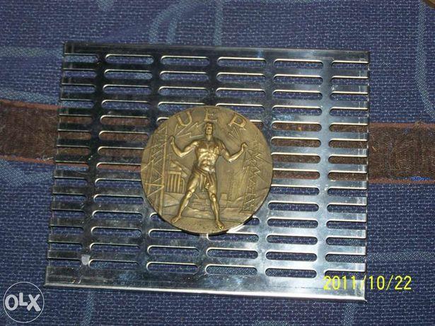 Medalha antiga de Cabral Antunes