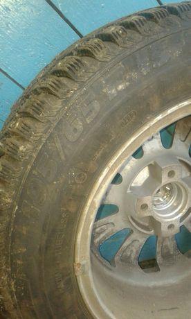 Шипованая резина , два колеса  в сборе  195/65-R15